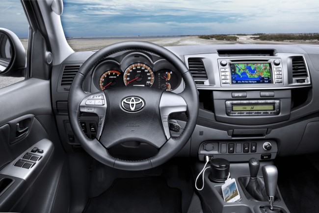 toyota-hilux-extra-cab-4673_6