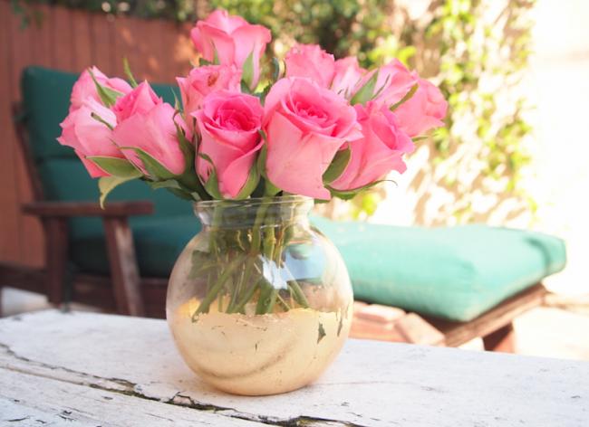 glitter-n-glue-diy-distressed-gold-leaf-vase-wide