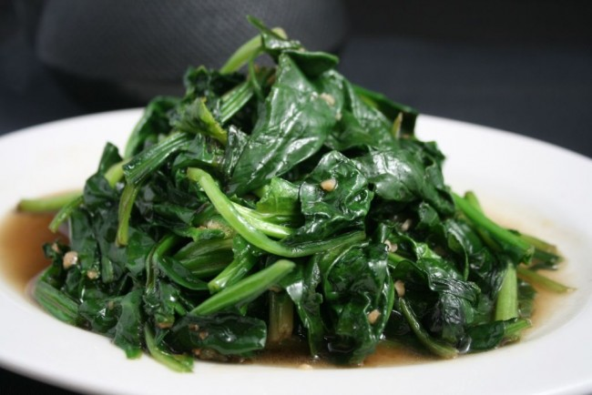 vegetables-fresh_spinach_and_garlic-zoom