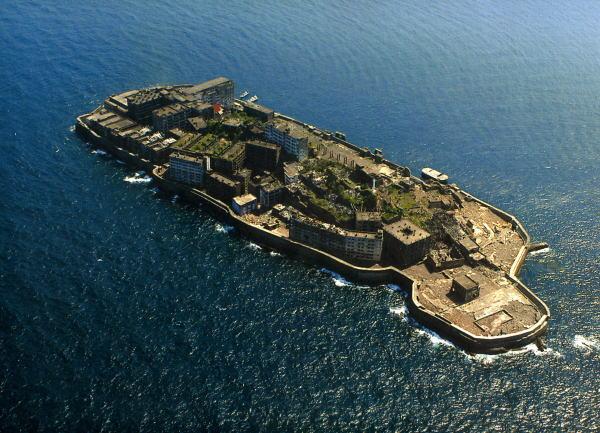 3Gunkanjima-hashima-island