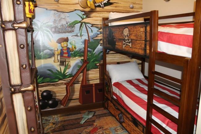 Let's Play OC! LEGOLAND Hotel7844