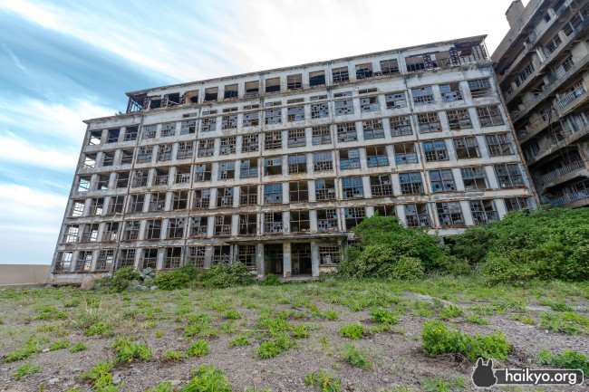 building-gunkanjima-school
