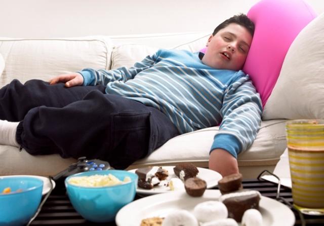 http://www.infokids.gr/wp-content/uploads/2014/06/fat-kid.jpg