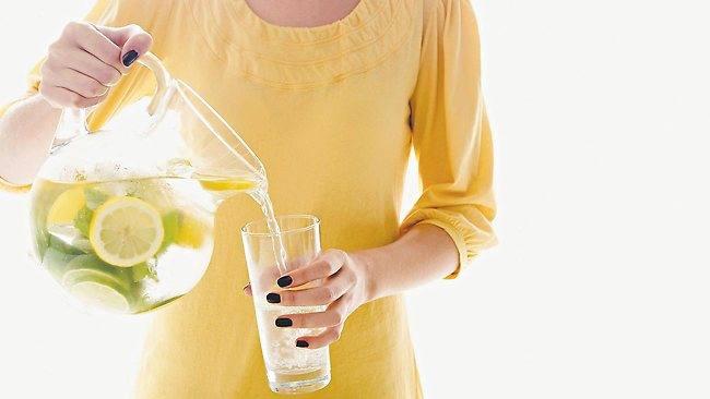 lemon-and-water