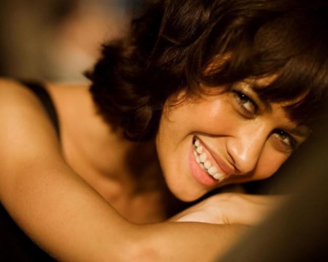make-a-woman-smile-1280x1024