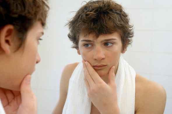 teen-boy-mirror-rex