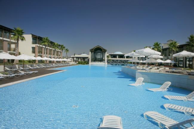 πισίνα hotel nikopolis