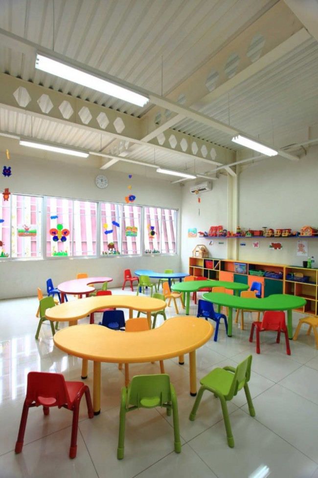 1303847387-kindergarten-07-small-666x1000