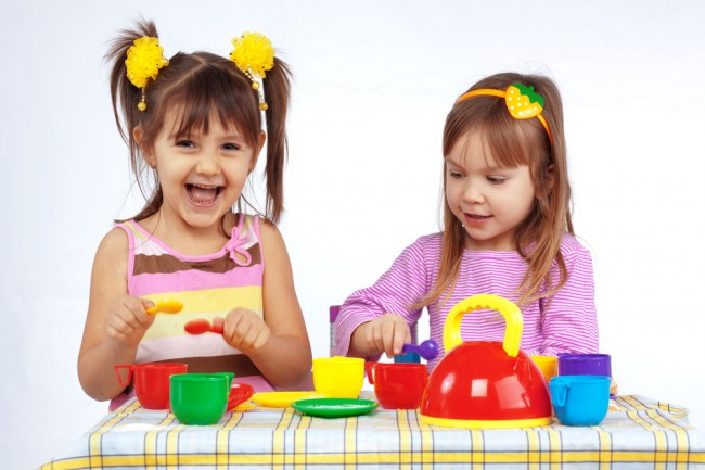 shutterstock_48091255-kids-tea