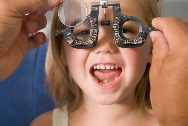 παιδί-οφθαλμίατρος-thessmama