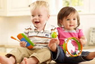 happy-toddlers039-parents-choosing-toys-and-playthings-69517456622792