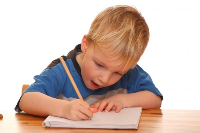http://www.google.gr/imgres?imgurl=http://www.infokids.gr/wp-content/uploads/2014/11/boy-writing.jpg&imgrefurl=http://www.infokids.gr/2014/11/to-paidi-moy-den-kanei-kala-grammata-ti/&h=433&w=650&tbnid=HY8EUolL1GpF_M:&zoom=1&docid=CG-tpK68M-Q5kM&ei=BiwmVa3IMoqqU8nPgNgC&tbm=isch&ved=0CEwQMygnMCc