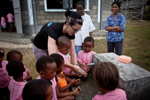 katy-perry-helps-unicef