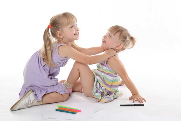 sisters-children-conflict-argument-siblings-