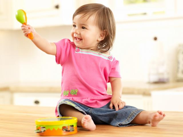 toddler_music_home_042_w640