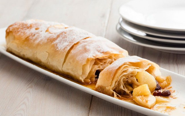 toffee-apple_pear_strudel_800x500