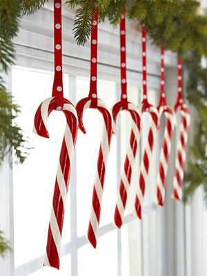 Christmas-decorating-candy-canes
