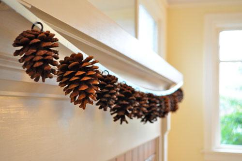 DIY-Pine-Cone-Garland