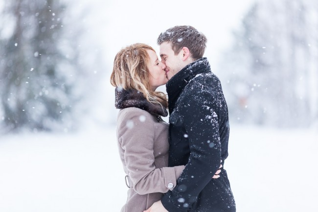 PHOTO-Sander-Taats-couple-winter-snowing-3