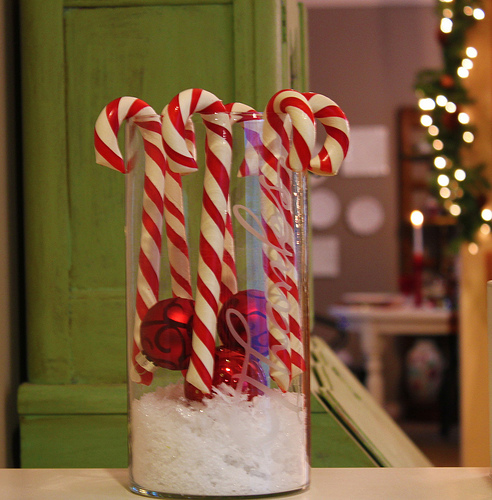candy-cane-christmas-decorating