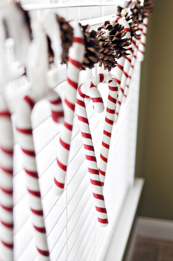 candy-cane-pine-cone-hanging-window-decor-diy-christmas