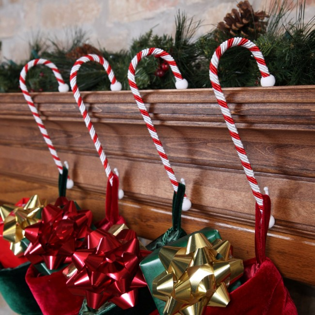 gallery-indoor-candy-cane-decoration-ideas