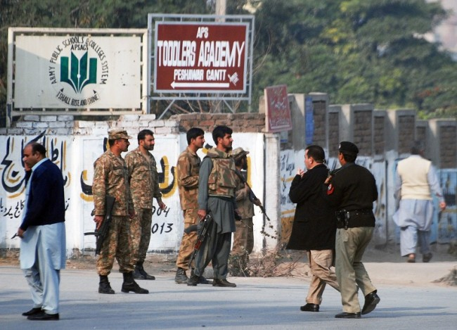 pakistan_army_taliban_hostage_school_reuters_161214