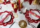red-white-patterned-holiday-christmas-table-ideas