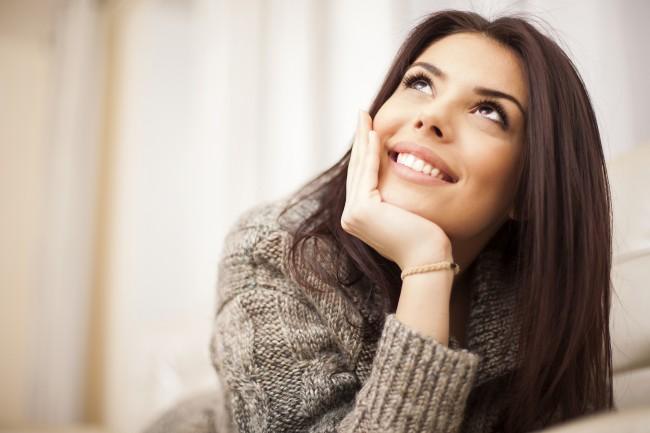Closeup-portrait-of-a-Happy-woman