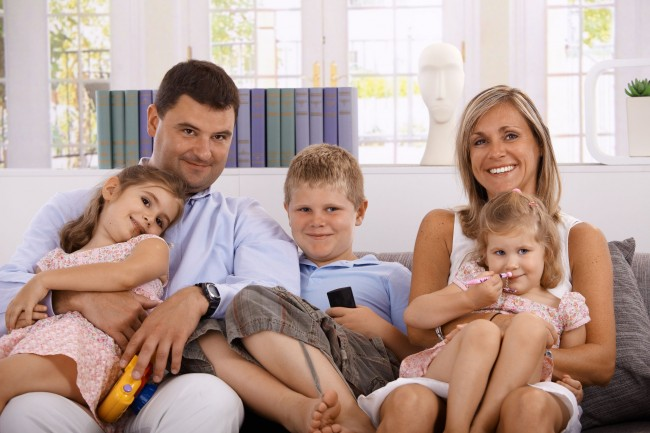 Complete-Familiy-With-Father-