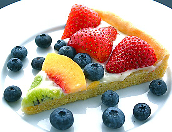 Fruit-Pizza_Travel-Recipe-for-Kids