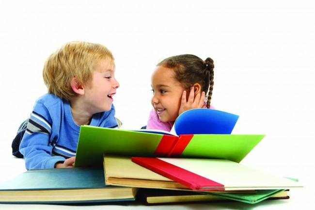 Kids-Reading-on-Ground