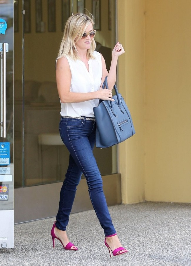 Reese+Witherspoon+Leaves+Nail+Salon+05w0Ub7OnWRx