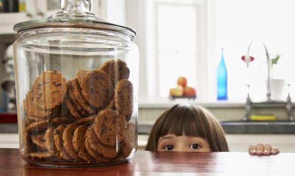kid-peeking-at-cookie-jar
