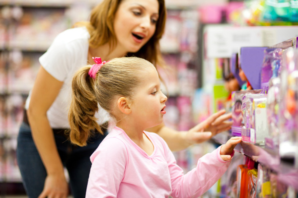 mom-daughter-toy-shopping