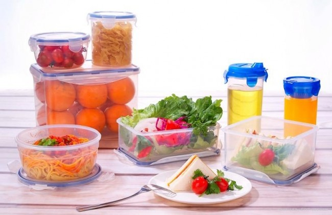 tupperware_plastic_food_container