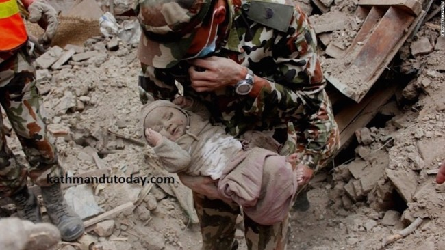 150429120641-nepal-baby-rescue-3-super-169