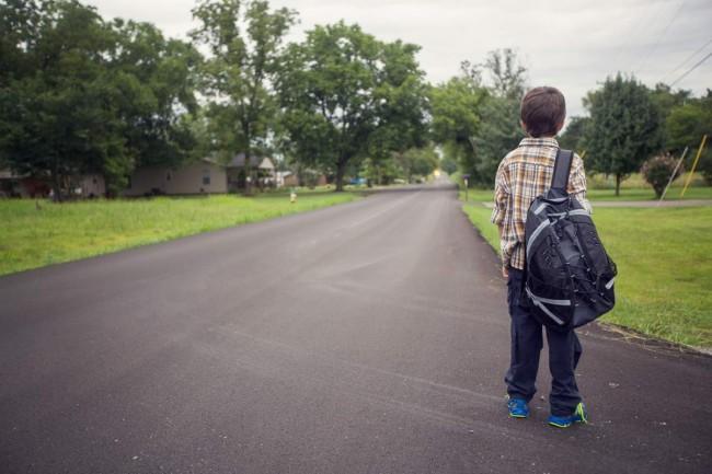 kid-walking-alone