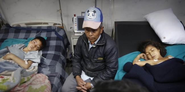 o-NEPAL-CHILD-2015-EARTHQUAKE-facebook