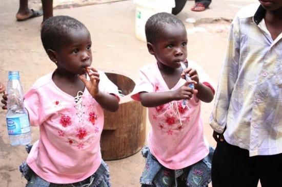 Igbo-Ora-twins3-550x366