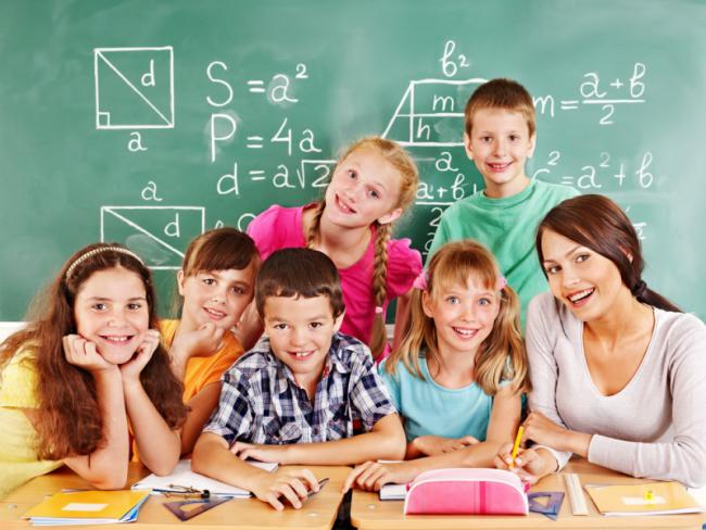 children_teacher-800x600