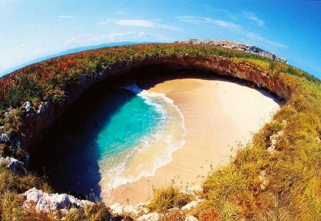 hidden-beach-puetro-vallarta-mexico-woe1