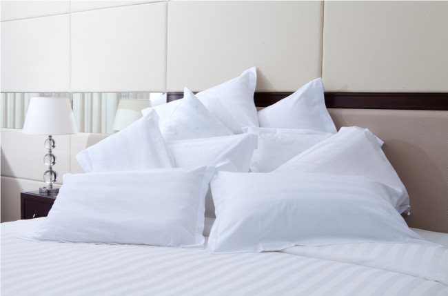 hotel-pillows-14