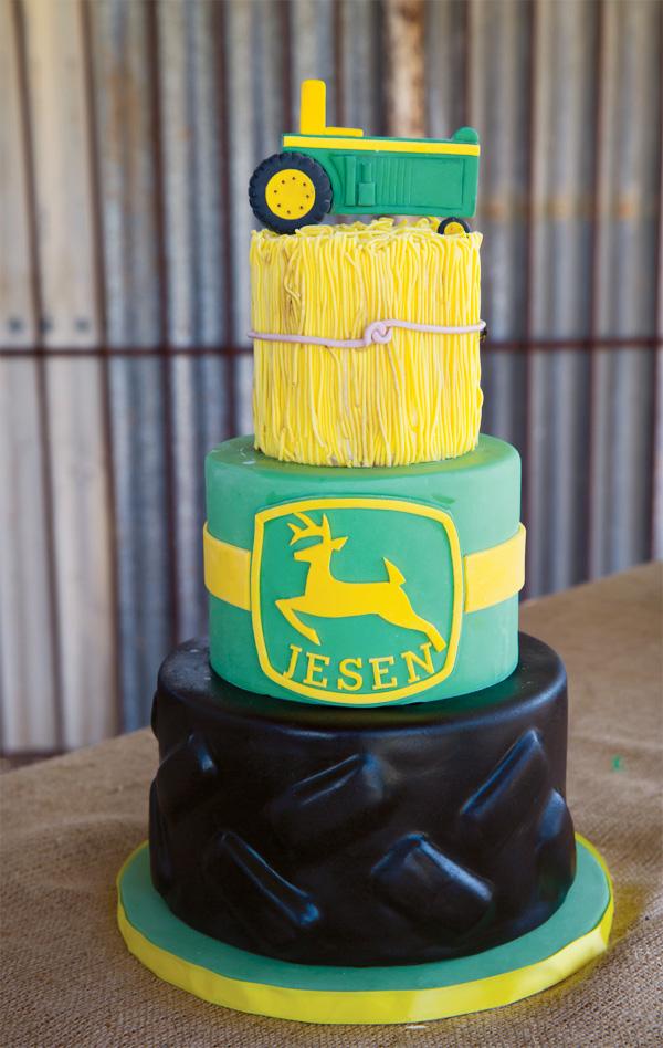 john-deere-cake