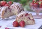 strawberry-sour-cream-cake-1