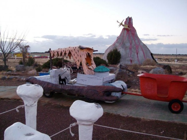 Jamnews-Abandoned-Flintstones-amusement-park-Arizona (28)