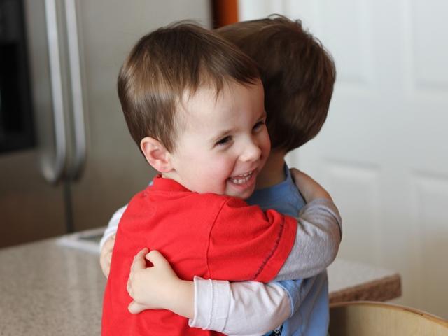 boys-hug