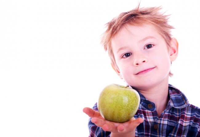 little-boy-with-apple