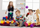 sf-children-playing-in-playroom-with-balls