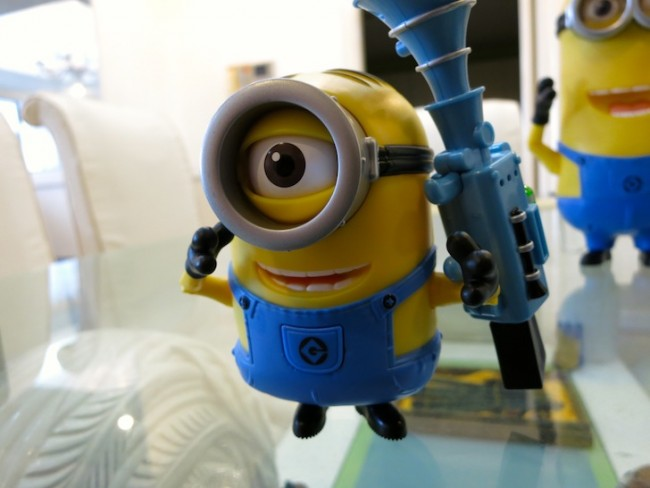 toys-r-us-minions-3
